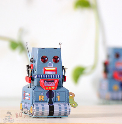 Nostalgic classic toy vintage wound-up tin toys tank robot(China (Mainland))