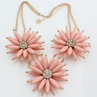 New Design Lady Pink Flower Bib statement acrylic crystal collar Hot Chokers Necklace N-720