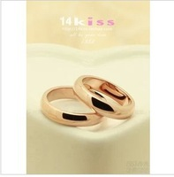 Free shipping  You want to win a  lovers ring 18K rose gold ring on the ring body tide people titanium plating