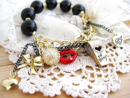 Vermilion Whistling Red lips Bow Love Bracelet SL 059