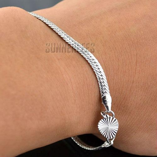 Free Shipping Fashion Jewelry 4mm Women Girls Heart Charm Herringbone Chain 18K White Gold Filled Bracelet Gold Jewellery GFB105(China (Mainland))