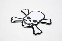 2 PCS Skull Cross Bones Skeleton Aluminium Emblem FIT MK6 GOLF GTI CC Jetta SCIROCCO R car styling car sticker