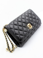 Luxurious and noble small plaid pearl hand chain clutch bag clutch ladies chain messenger bag