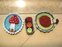 75 pieces/lot  100%cotton DIY crochet accessory handmade mushroom and hedgehog and traffic light