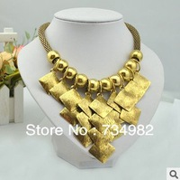 2013Hot sale gold 42cm Court exaggeration short necklace,Alloy pendant bunches boxes stacked up collar,Top quality+free shipping