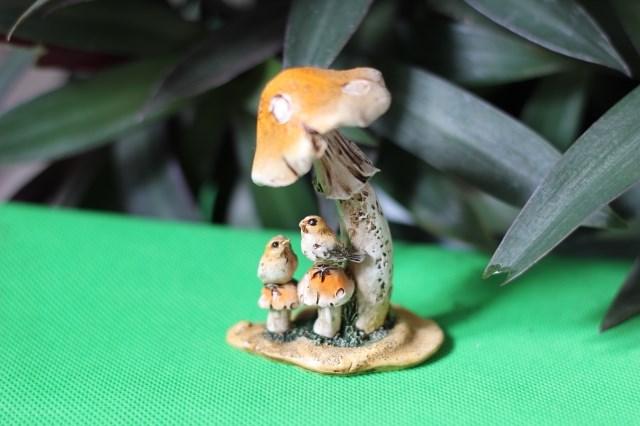 Cartoon resin mushroom flower pot rustic decoration novelty mini home decoration unique gift(China (Mainland))