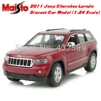 Free Shipping Brand New Maisto 1:24 Scale Diecast Car Model 2011 Jeep Cherokee Laredo SUV Red In Box