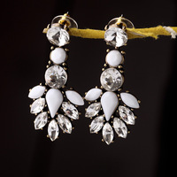 MIN/MIX Order $10.0 Free Shipping J.New Design Hot Encrusted Crystal White Stone Crew Earrings Inspire Lady Charm Earrings NWOT