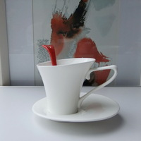 White ceramic fashion coffee cup and saucer set black tea cup tea cup and saucer 150 spoonfuls