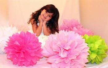 http://i00.i.aliimg.com/wsphoto/v0/1348939096_1/Free-Shipping-15-pcs-20cm-8-Tissue-Paper-Pom-Poms-Wedding-Party-Decor-Craft-Paper-Flower.jpg_350x350.jpg