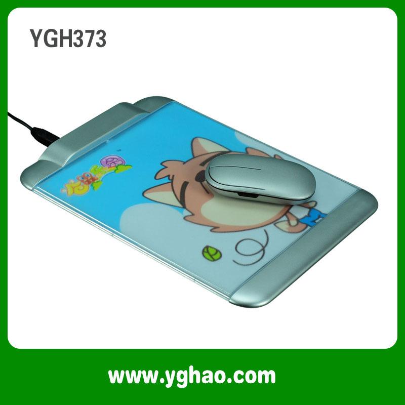 2Pcs/Lot Free Shipping USB HUB Mouse Pad YGH373(China (Mainland))