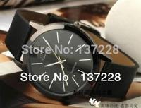 2014 New Korean fashion men's and women's Watch ultra-thin casual  watches the  couple retro Quartz  Wrist table free shipping