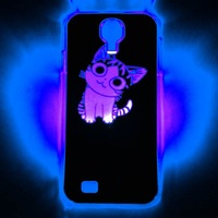 Free shipping Cute Cat Pattern Calling Sense Flash LED Color Changed Protective Back Case for Samsung Galaxy S4 i9500