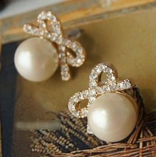 Min.order is $8 (mix order) Модный Vintage Горный хрусталь Pearl Bow Stud Earring ...