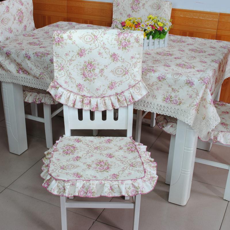 Chaises l gantes magasin darticles promotionnels 0 sur for Housses de chaises en tissu