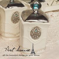 Free shipping! White embossed rhinestone ceramic kitchen supplies; Sugar cans / sauce pot / candy jar
