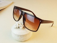 Free shipping Fashion vintage big black fashion rivet box sun glasses fashion square sunglasses myopia 096