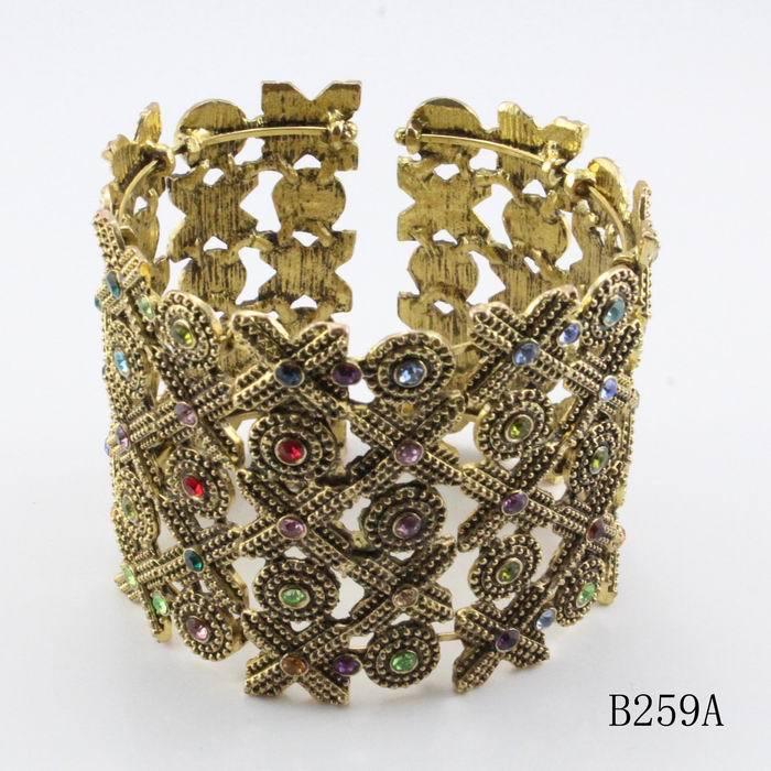 Min. order $10(mix items) new vintage gold bangles models sexy crystal women elegant bracelet 2015 autumn jewelry(China (Mainland))