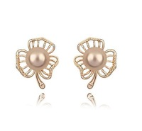 Free Shipping Gold Pearl Stud Earring Freshwater Pearl Earring Austria Crystal Base