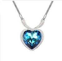 Free Shipping 2013 New Arrived Korea Style Fashion Sexy Austrian Crystal Necklace Sweater Chain Heart-shaped Pendant Jewelry