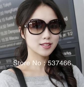 Free shipping Current sunglass Designer sunglass women's Brand name 2119 Sunglass Black frame Grey gradient lens with orig box
