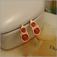 Fashion agate garnet red gourd stud earring titanium gold red rose stud earring