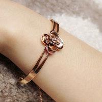 Exquisite camellia bracelet 18k rose gold bracelet hand ring Women camellia bracelet opening of the color gold
