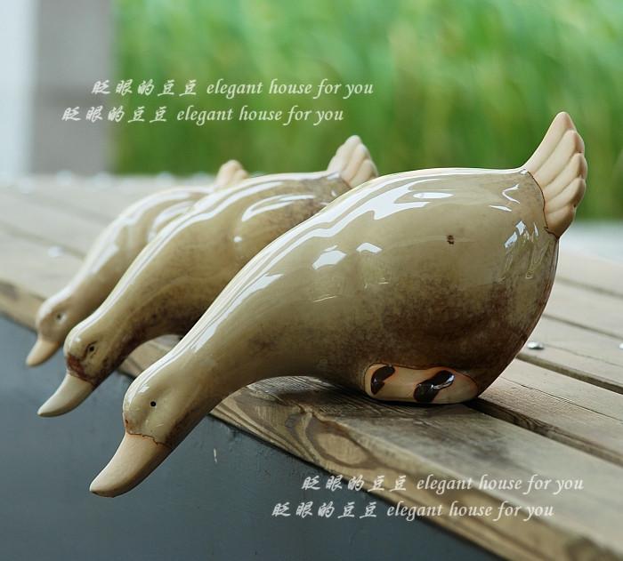 Home accessories bookshelf decoration shelf ceramic duck piece set(China (Mainland))