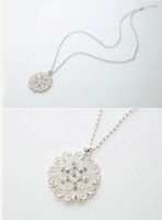 Free Shipping 2013  women's cutout  flower necklace vintage accessories jewelry X'mas Gift