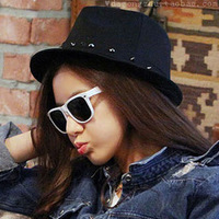 Wholesale&Retail,Woolen hat with rivets around,Punk and stage style,Round shape,Short brim,Gray or black,Hot sale