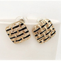 C7049 New hollow sweet box multicolor fashion earrings