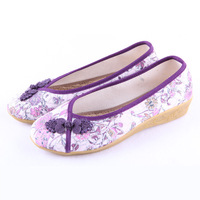 Free shipping Beijing embroidered shoes low-heeled buttons print shoes 632