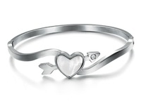 Charity Ladies Hot Fashion 316L Stainless Steel Shell Loving Heart Arrow Cupid Spring Open Close Bangle Bracelet