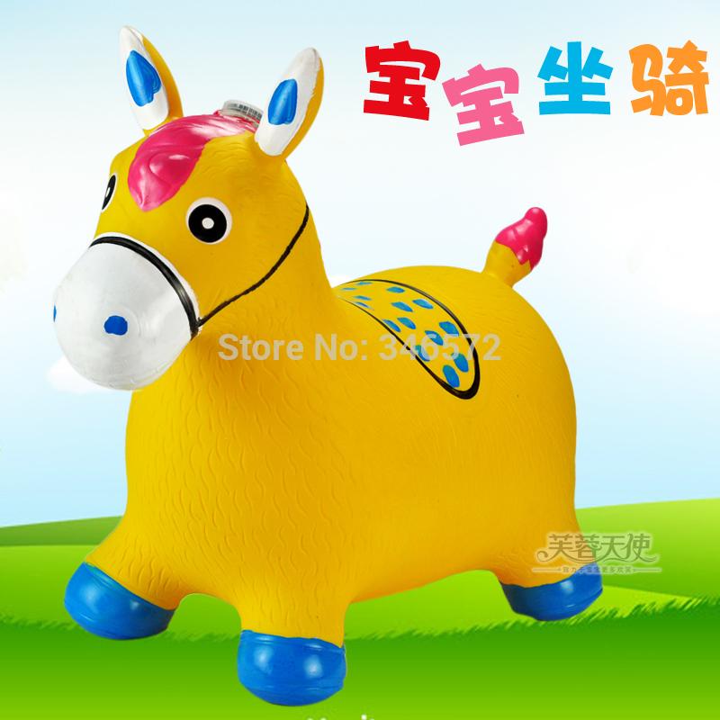 Garçon et une fille de gros jouets enfant saut gonflables cerfs cheval de saut saut animaux jouets gonflables vache l'enfant. 1.25 épaississement