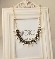 SP367 star models gold necklace over drilling rivets
