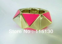 Statement Rock Punk Style Gold Plated Stretch Pyramid Studs Cuff Bracelets Bangles For Men Spike Big Bracelets Fashion Jewelry