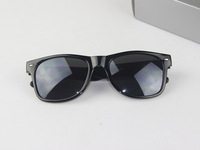 Free Shipping,   New Fashion UNISEX ray style wayfarer design two tone multi-color Sunglasses CH9068