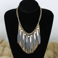Fashion personality vintage luxury lady on a thin blade pendant  gold black long tassel short necklace chain free shipping
