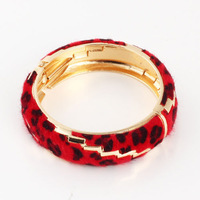 Wholesale Gold PLATED  alloy + leather  wowmen's fashion bangles gold bangles designs for girls   6.1cm diameter  MOQ:10USD