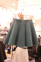2013 slim woolen skirt bust pleated skirt small short skirt basic skirt