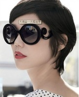 (Min order $15,can mix) Free shipping New Arrival Vintage Holiday Sunglasses Luxury Ultraviolet-Proof Sunglasses.Y4