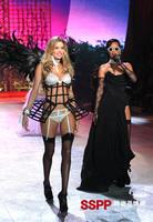 Space frame check style female singer cummerbund costume