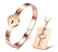 high quality charm rose gold plated titanium steel bangles top selling Christmas gift for women heart bangles jewelry set