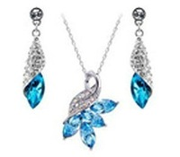 Free shipping factory wholesale Austrian crystal earrings + Light Kit Desert Twilight Love Necklace 039