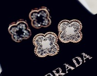 Luxurious jewelry wholesale fashion four leaf clover flower gold plated princess rhinestone stud earrings gifts women