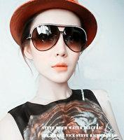 Fashion large anti-uv  vintage sunglasses  Women glasses the trend of the black sunglasses box  free  shipping