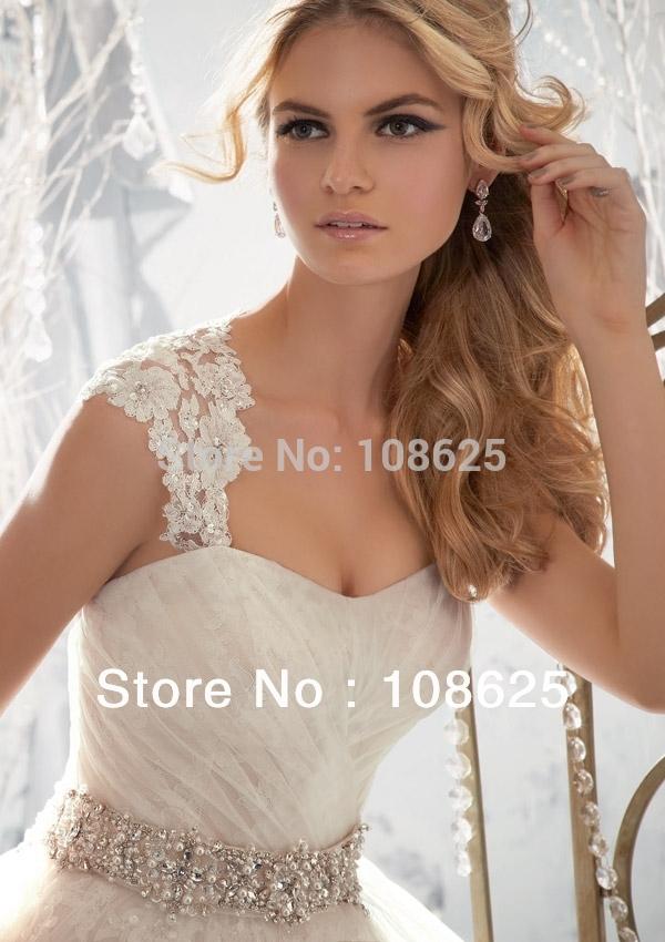 Lace Wedding Dress with Jewelry