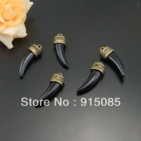 Whosesale Antique bronze jewelry lot wholesale Black Tooth Charm Pendant 20pcs 01507