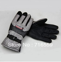 Free shipping Men's new outdoor rain gloves cycling season and thicken the cold warm gloves