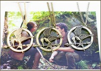 Popular Hunger Games Necklace Mock Bird LOGO Mock Necklace Pendant Long Chain Collar For Children or The Young Wholesale&Retail